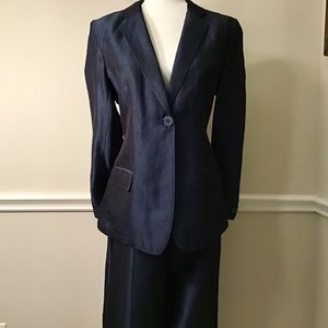 DKNY Two Piece Luster Navy Evening Suit, Sz 12/14
